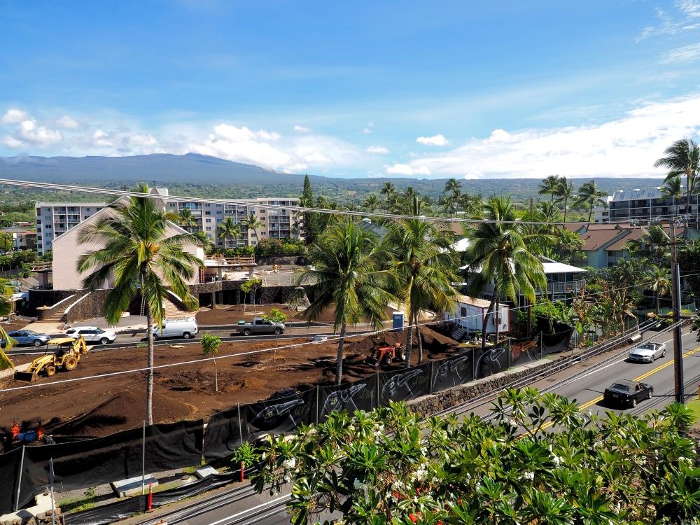 Hualalai visible from downto
